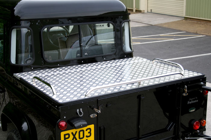 land rover defender boot dimensions