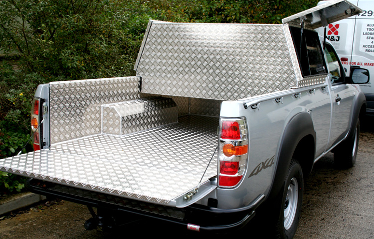 Crossover Truck Box Complete With Shelves Aluminium