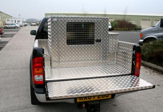 Aluminium Dog Box for your 4x4 Pickup Truck