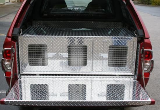 Triple Terrier Dog Box