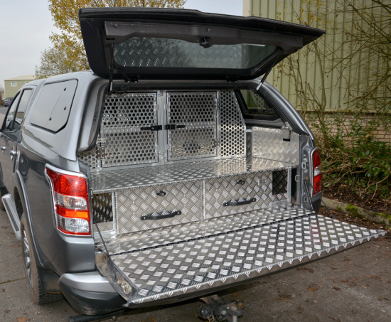 Hunter Combination fitted to a Series 5 Mitsubishi